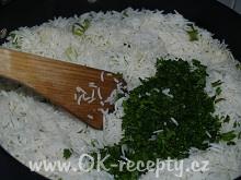 Kyselé vepřové nudličky a zelená rýže + foto postup
