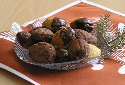 Vánoční cukroví - Oříšky s máslovou náplní + foto