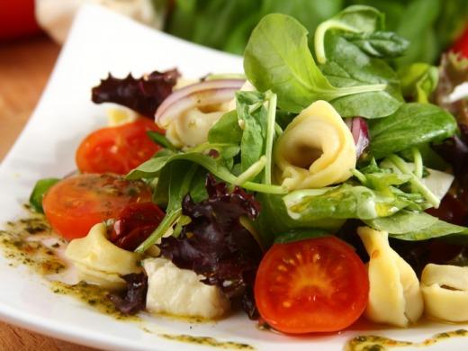 salat-tortellini-mozarella