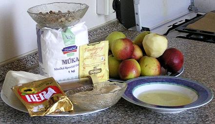 Domácí jablkový štrůdl - jablečný závin + foto postup